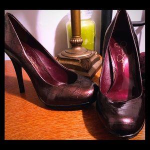 Jessica Simpson pattern wine pumps 5.5